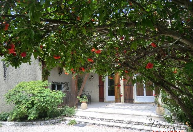 Location de gite chambres d 39 hotes et villa de charme en provence pres avignon lou bres en - Chambre d hote pres d avignon ...